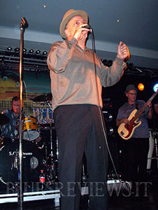 Darrell Nulisch on stage in Lucerne, Switzerland. 2004