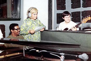 Etta James at Muscle Shoals Studio, Al, 1967 ca
