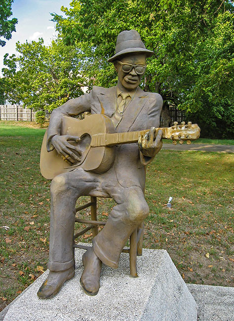 Lightnin' Hopkins statue, Crockett, Texas