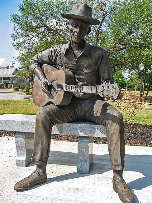 Mance Lipscomb statue, Navasota, Texas