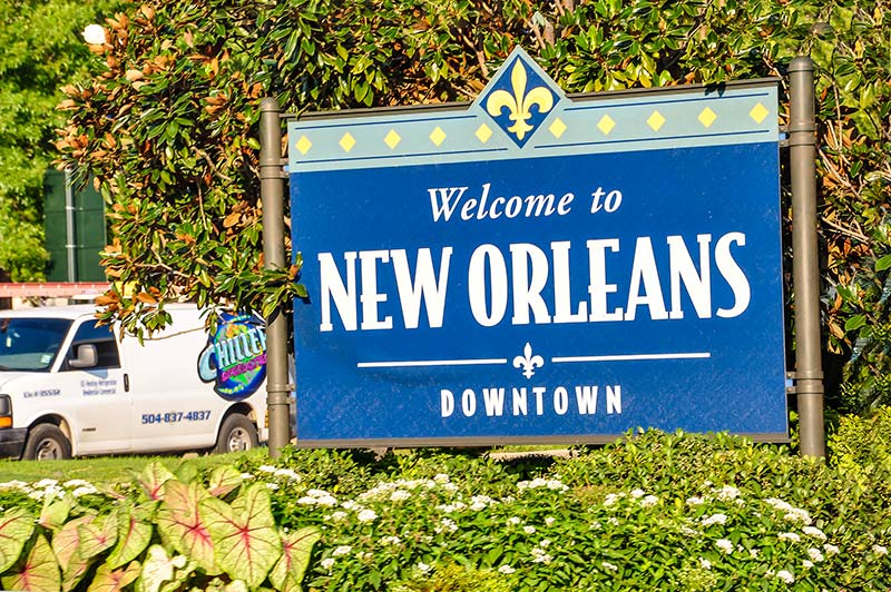 Welcome to New Orleans Downtown sign