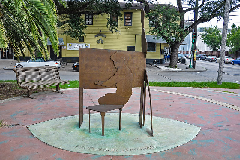 Bronze sculpture of Professor Longhair in front of Tipitina's, N.O., Louisiana