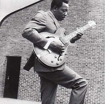 Slim Harpo with Gibson ES-330