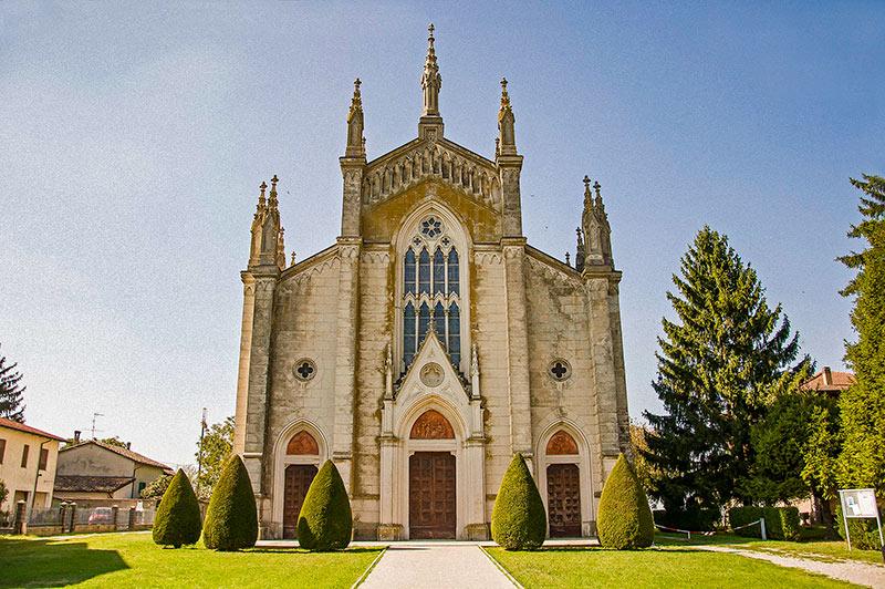"""Chiesa di Diolo, Soragna (Parma), luogo del """"Mondo piccolo"""" di Guareschi"""