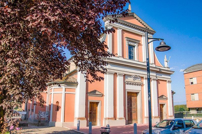 """Chiesa di S. Martino, Fontanelle di Roccabianca (Parma), luogo del """"Mondo piccolo"""" di Guareschi"""