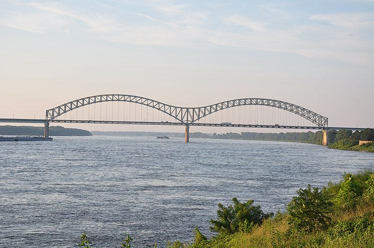 De Soto Bridge