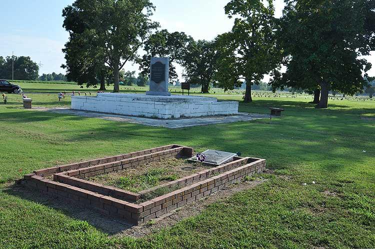 Albert King grave & MLK Memorial
