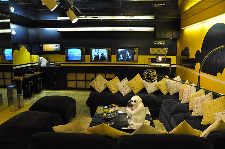 Graceland TV room, Memphis