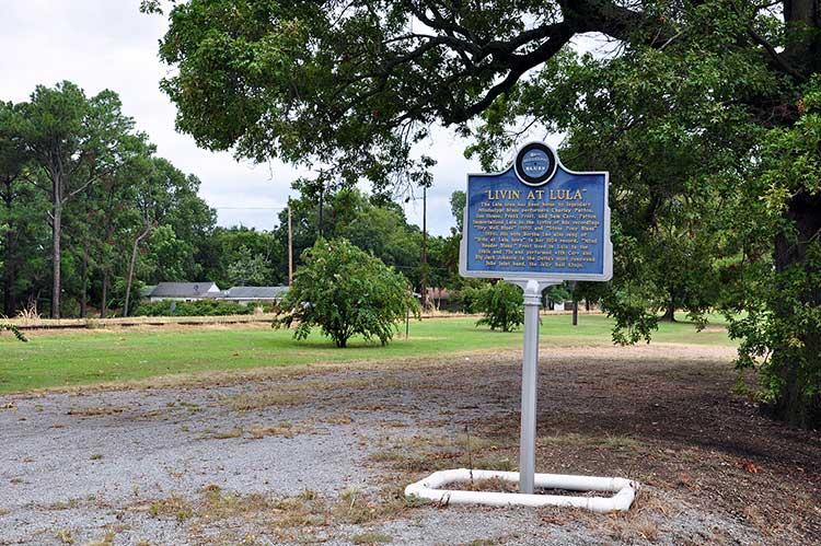 Livin' at Lula blues marker, Mississippi