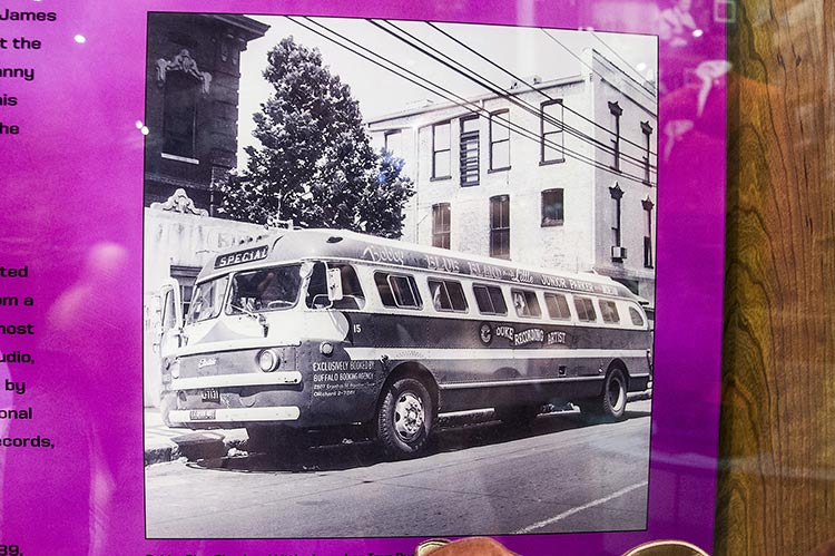 Bland-Parker tour bus, Stax Museum