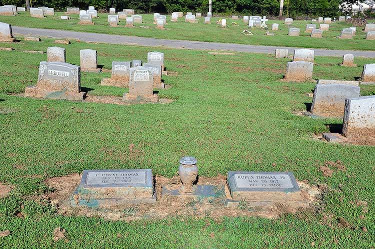 Thomas grave