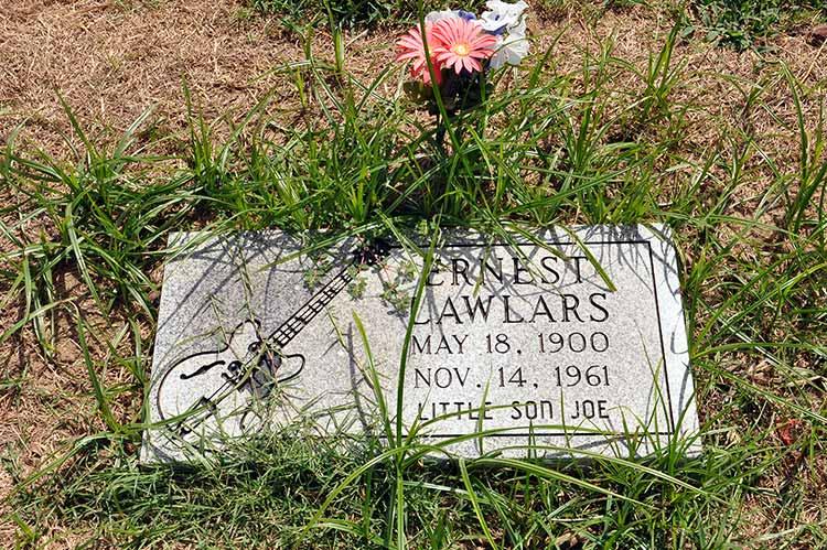 Walls, Ernest Lawlars' grave