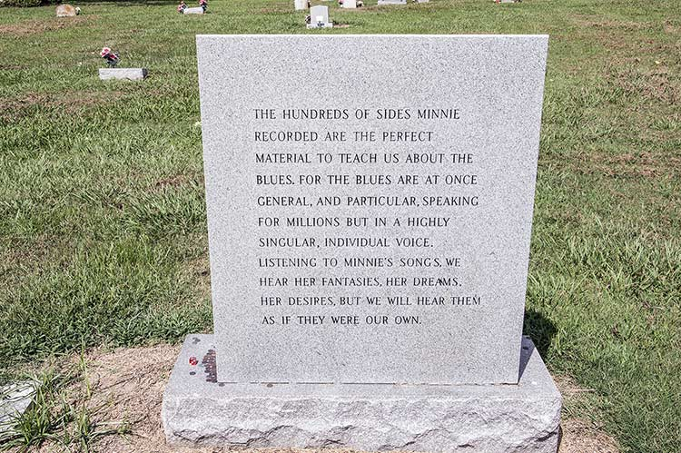 Walls, Memphis Minnie's grave