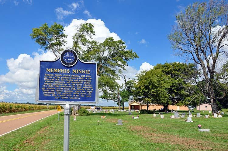 Memphis Minnie blues marker, Walls, Mississippi