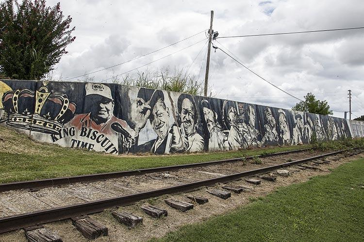 Helena Levee Walk, murals
