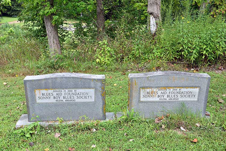 Robert Nighthawk and Frank Frost graves, Magnolia Cemetery