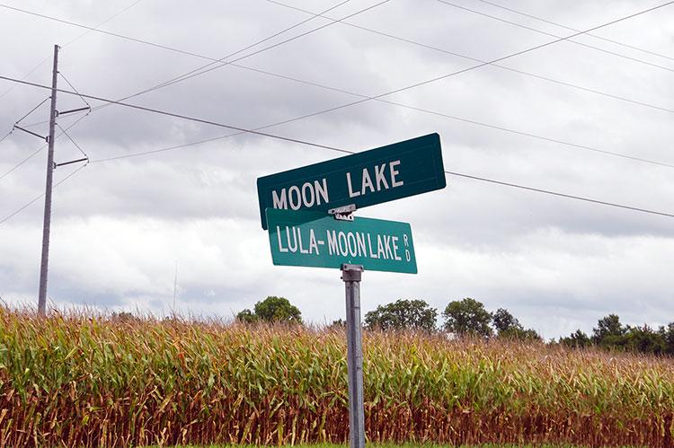 Moon Lake Road, Mississippi