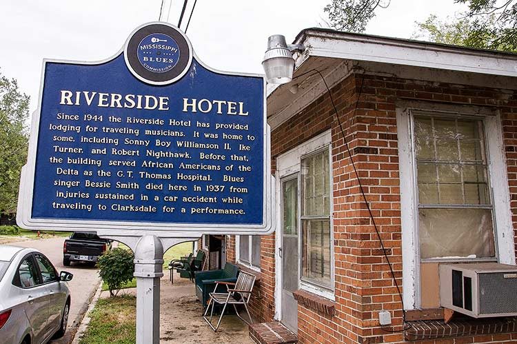 Riverside Hotel blues marker