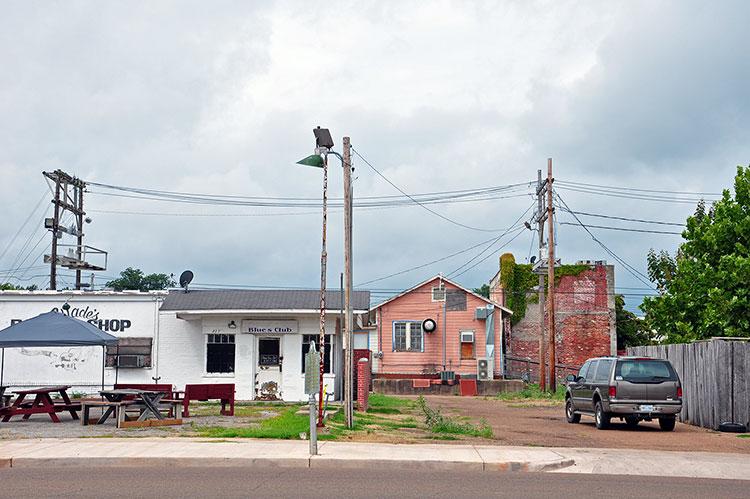 Wade's barber shop, Clarksdale, Mississippi