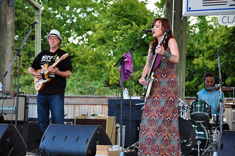 Heather Crosse: Heavy Suga & The SweeTones, Sunflower River Blues & Gospel Festival, Clarksdale, Ms