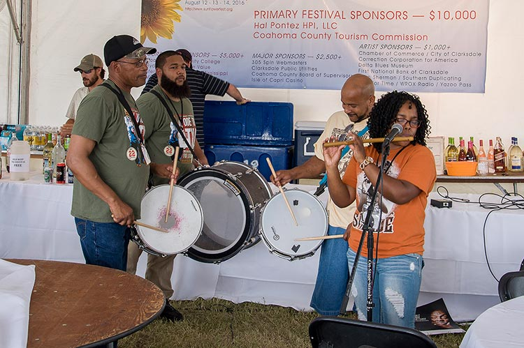 Sharde Thomas and The Rising Star Fife & Drum Band, Sunflower River Blues & Gospel Festival, Clarksdale, Ms