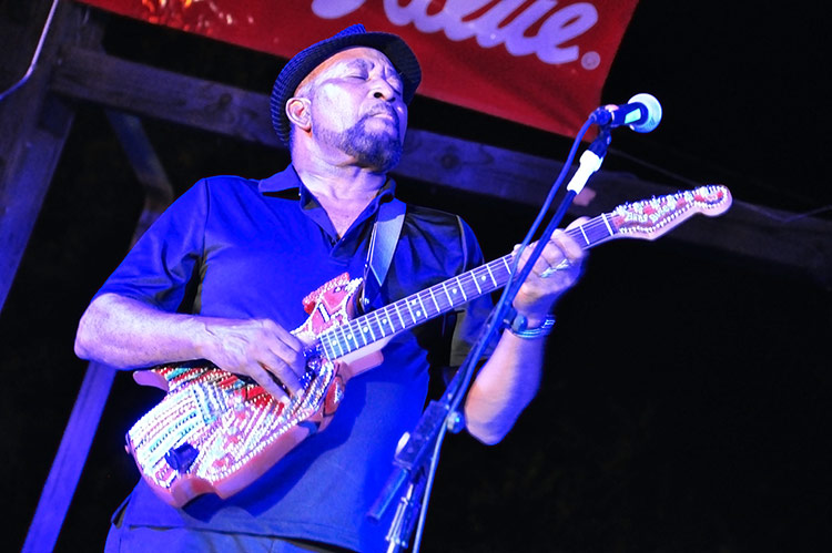 James 'Super Chikan' Johnson, Sunflower River Blues & Gospel Festival, Clarksdale, Ms