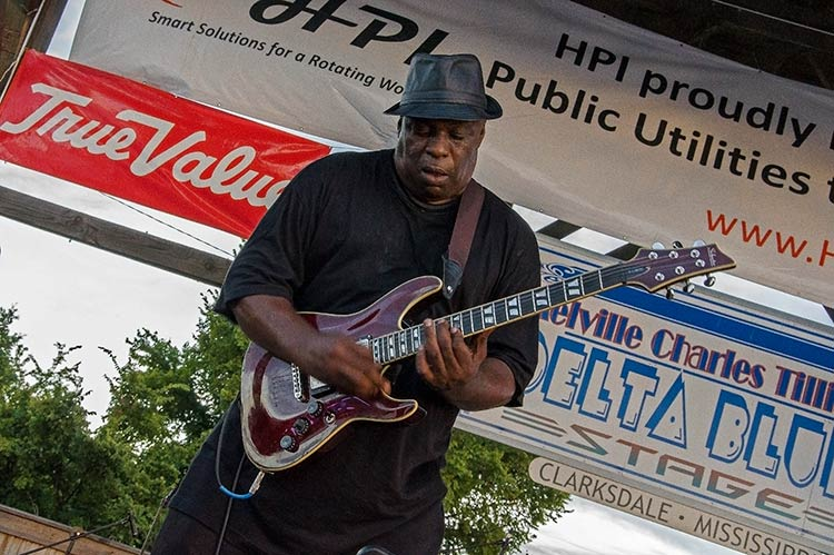 Terry 'Big T' Williams, Sunflower River Blues & Gospel Festival, Clarksdale, Ms