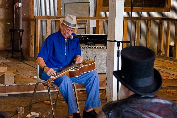 Watermelon Slim, Sunflower River Blues & Gospel Festival, Clarksdale, Ms
