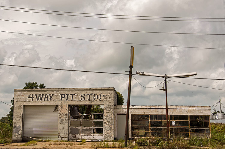 4 Way Pit Stop on Highway 49, Tutwiler, Mississippi
