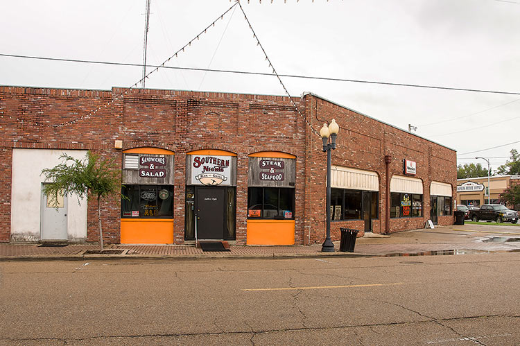 Walnut Street, Greenville, Mississippi