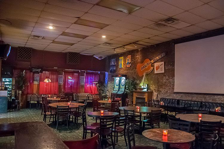 Spectators Pub, Walnut Street, Greenville, Mississippi