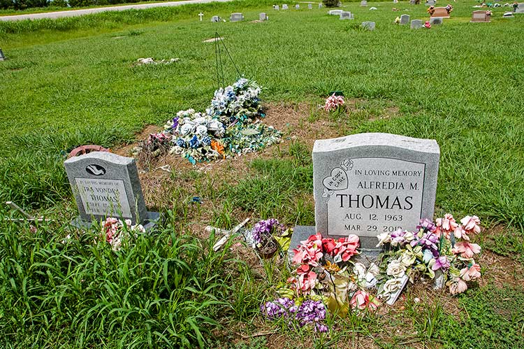 Other graves of the Thomas family at Bogue Cemetery