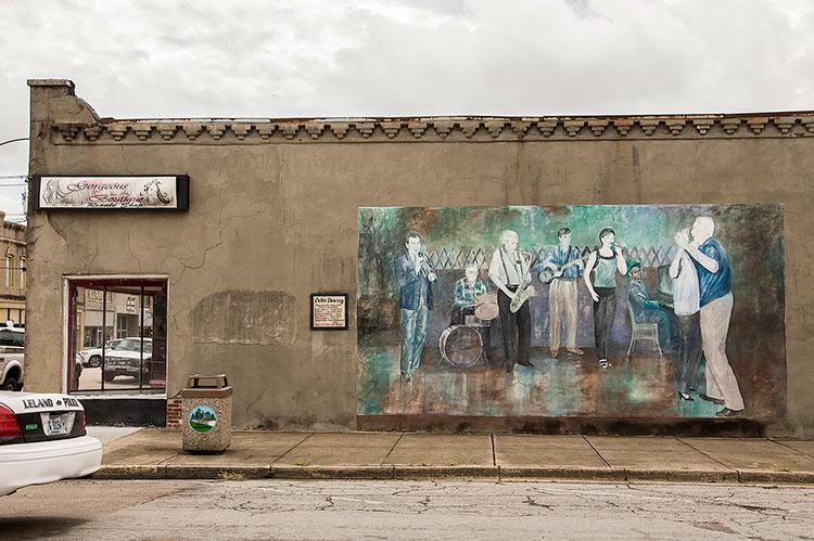 Delta Dancing mural, Leland, Mississippi