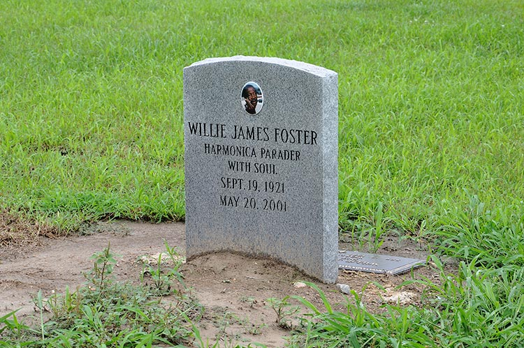Willie James Foster's grave at the New Jerusalem M.B. Church Cemetery, Holly Ridge, Mississippi