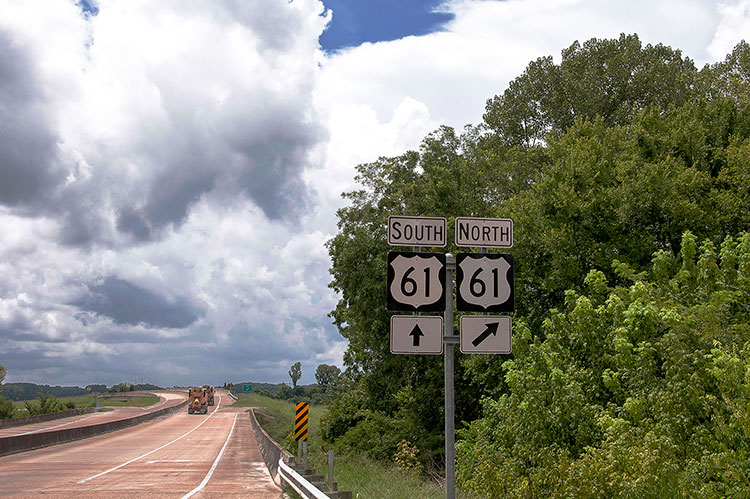 Highway 61 for Vicksburg, Mississippi