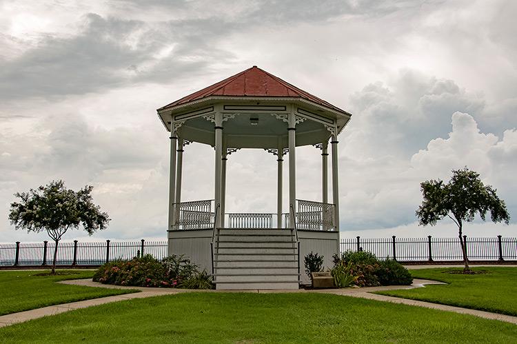 Gazebo on Bluff Riverside, Natchez, Mississippi
