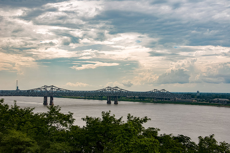 Natchez-Vidalia bridge over Mississippi River, Mississippi