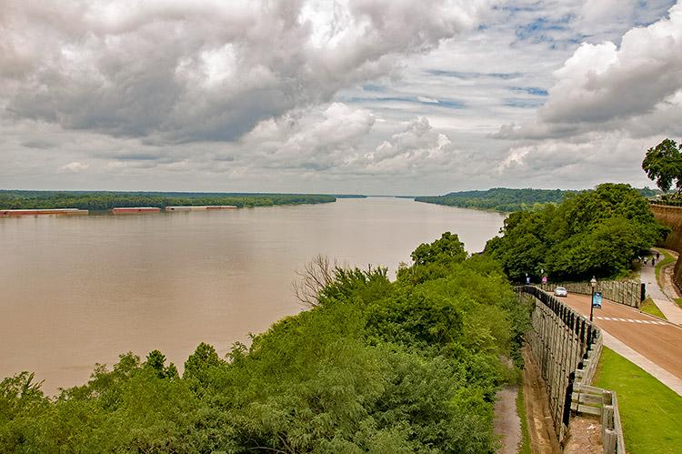Mississippi river from Natchez Bluff Riverside