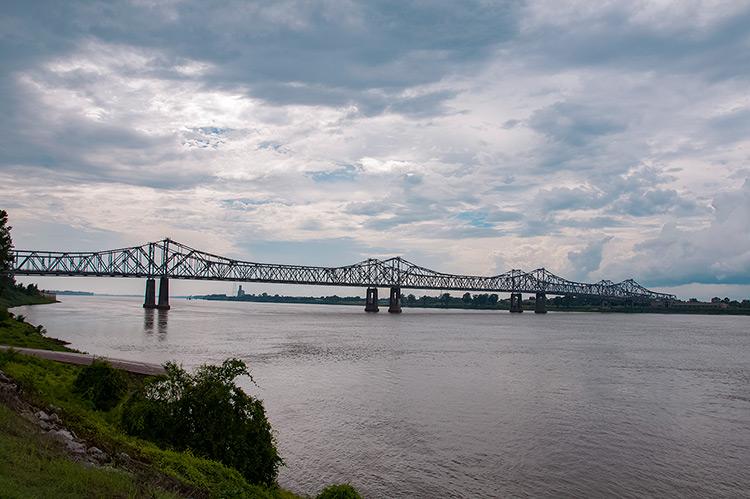 Natchez-Vidalia bridge over Mississippi river, Natchez