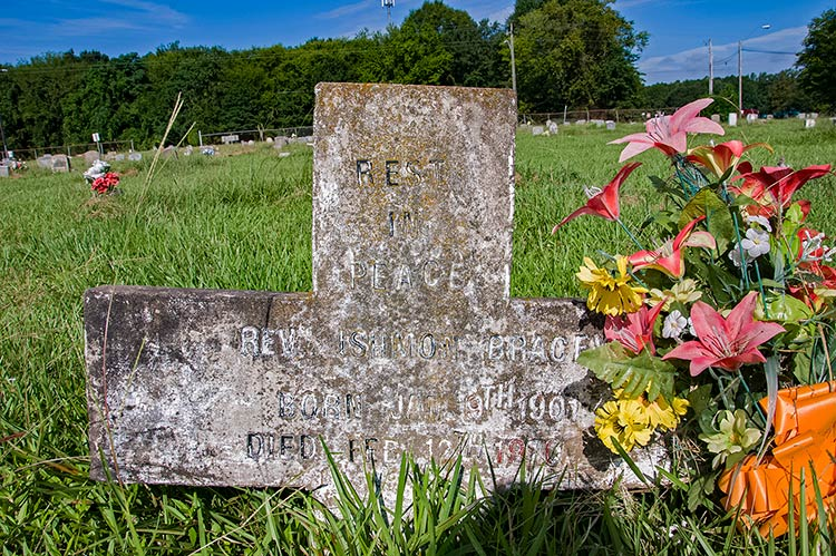 Ishmon Bracey grave