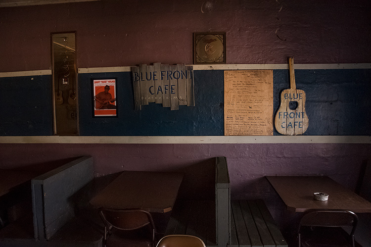 Blue Front Cafe, Bentonia