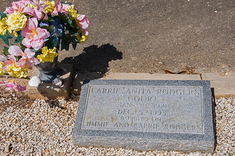 Carrie Anita Rodgers Court grave