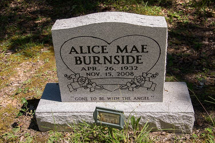 Grave of Alice Mae Burnside, Harmontown, Mississippi