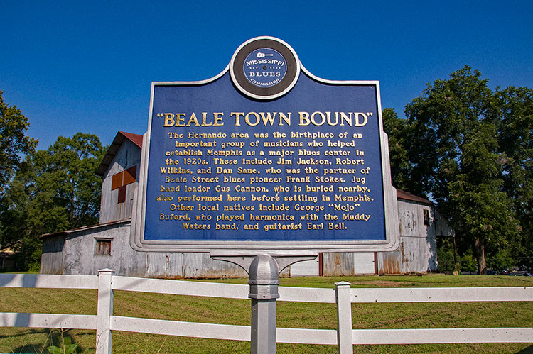 Beale Town Bound blues marker, Hernando, Hills, Mississippi