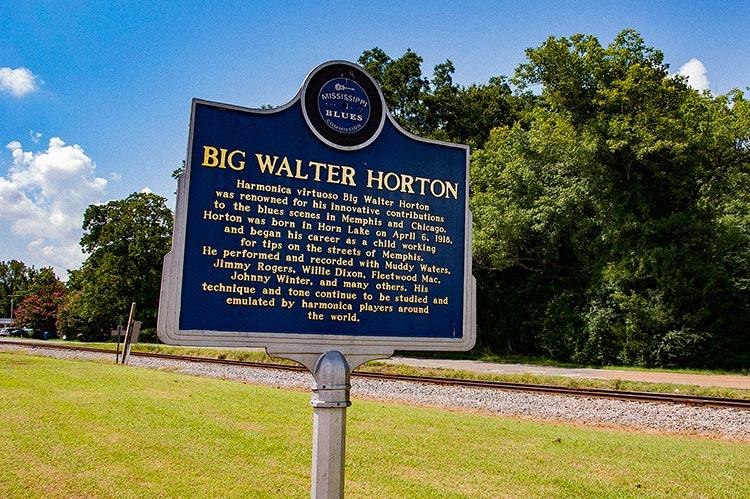 Big Walter Horton marker, Horn Lake, Hills, Mississippi