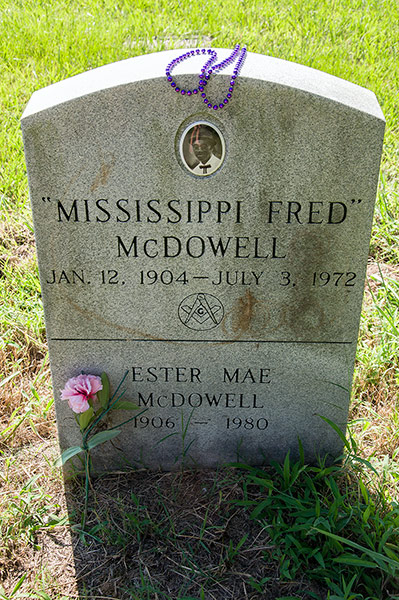 Fred McDowell grave, Como, Mississippi