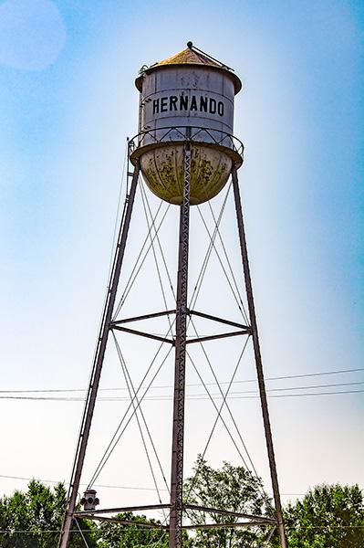 Water tower, Hernando, Ms