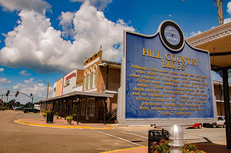 Holly Springs historic downtown & Hill Country Blues marker, Mississippi